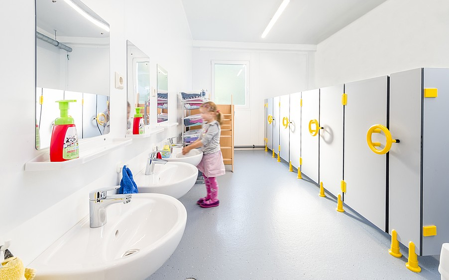 ELA Container - Kindergarten in Containeranlage Sanitärbereich